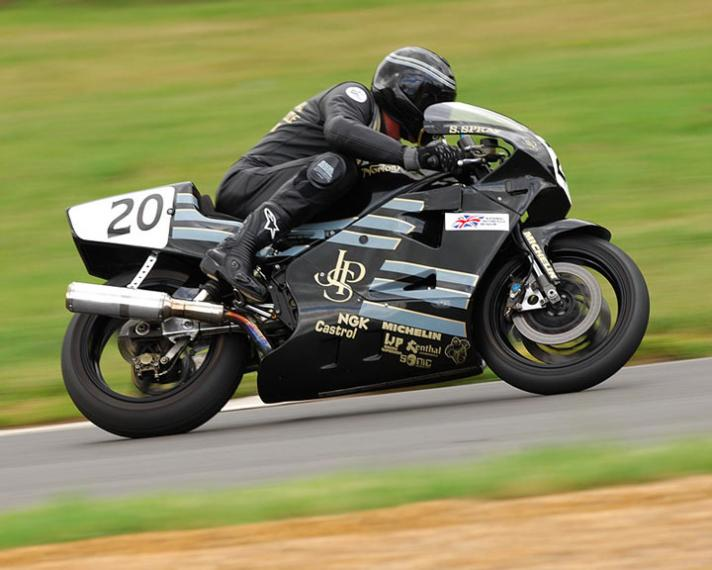 steve-spray-at-mallory-park-712x570