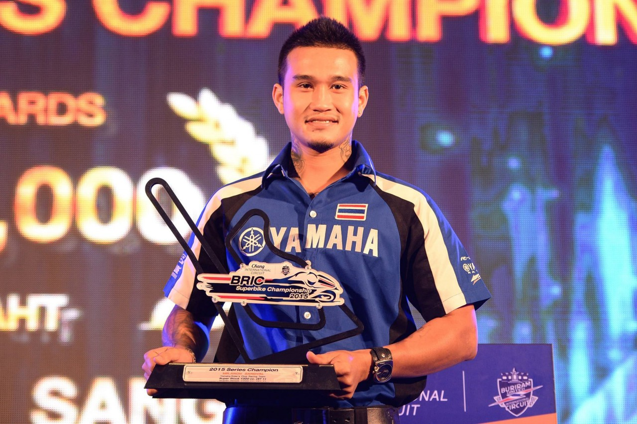 04 Yamaha Riders' Club Racing Team รับ 2 แชมป์