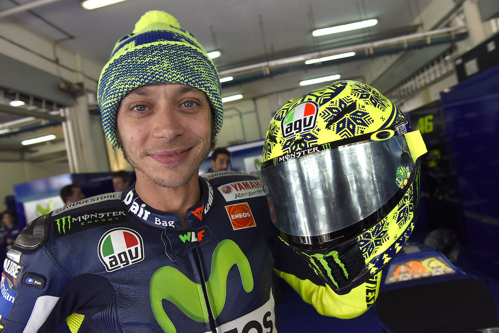 THE-VALENTINO-ROSSI-CORSA-WINTER-TEST-LIMITED-EDITION-REPLICA-HELMET-IS-NOW-AVAILABLE-01