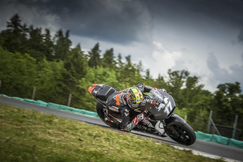 karel_abraham_ktm_rc16_brno_2016_720.middle